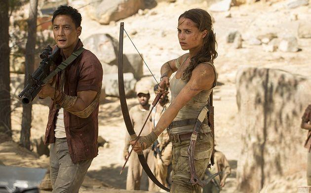 Alicia Vikander begibt sich als Lara Croft auf die Suche nach ihrem Vater und entdeckt ein geheimnisvolles Grab .