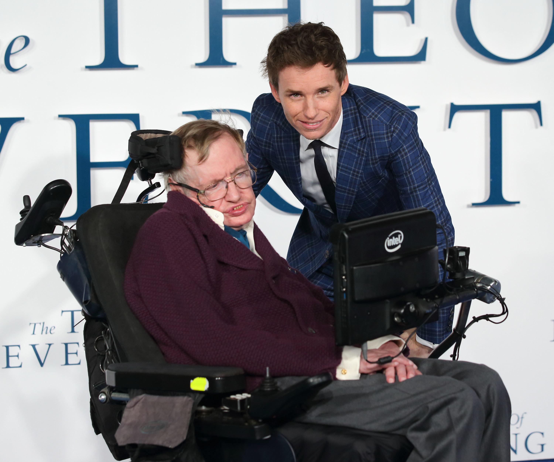 Το Hollywood θυμάται τον Stephen Hawking: Όλες οι αναρτήσεις και εκφράσεις θαυμασμού για τον σπουδαίο