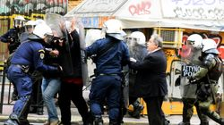 Βίαια επεισόδια μεταξύ διαδηλωτών και αστυνομίας για τους πλειστηριασμούς. Τρεις