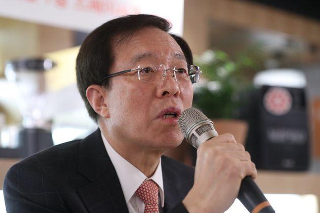 자유한국당이 이석연 전 법제처장에게 서울시장 선거출마를