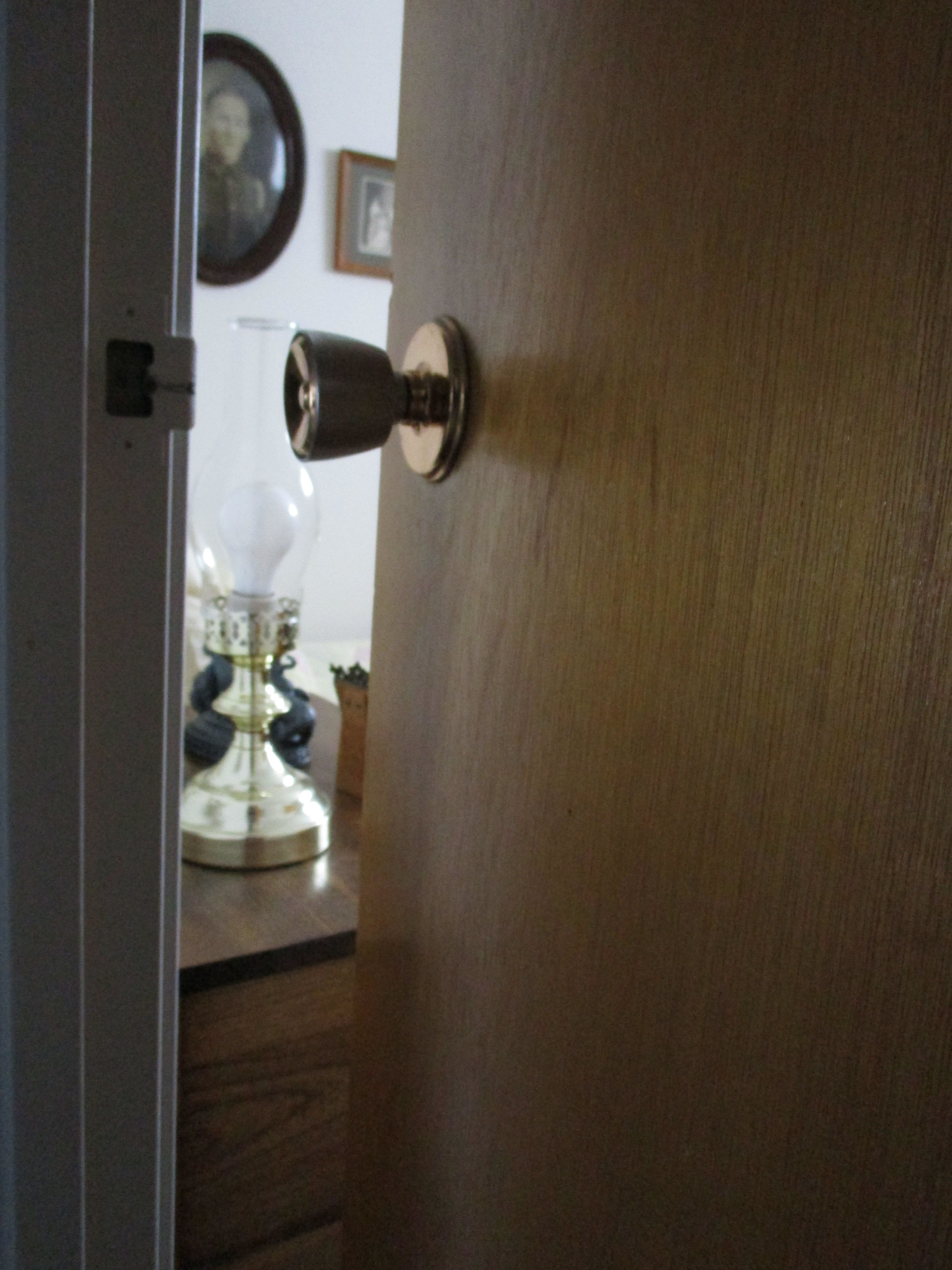 Münchnerin denkt, sie öffnet einem Apotheker die Tür – erst als er weg ist, durchschaut sie ihn