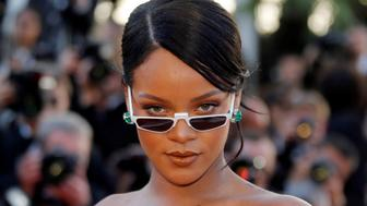 """70th Cannes Film Festival - Screening of the film """"Okja"""" in competition - Red Carpet Arrivals- Cannes, France. 19/05/2017. Singer Rihanna poses. REUTERS/Regis Duvignau     TPX IMAGES OF THE DAY"""