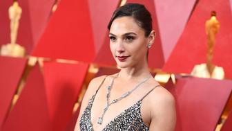 Israeli actress Gal Gadot arrives for the 90th Annual Academy Awards on March 4, 2018, in Hollywood, California.  / AFP PHOTO / ANGELA WEISS        (Photo credit should read ANGELA WEISS/AFP/Getty Images)