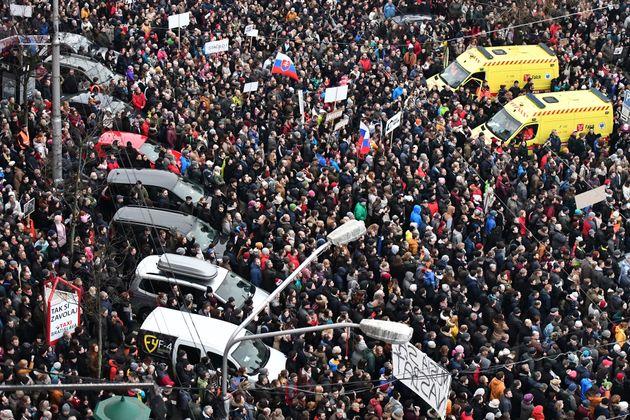 '언론인 피살 사건' 슬로바키아 총리가 사임 의사를