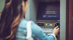 Karlsruhe: Frau bekommt 1000 Euro Grundeinkommen – das macht sie damit