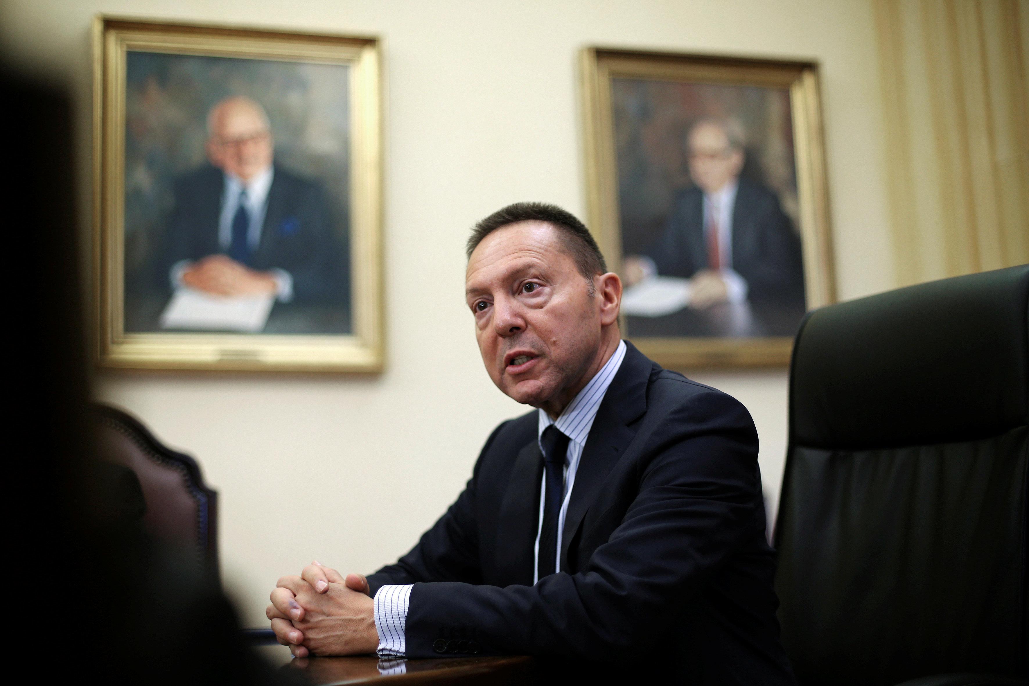 Στουρνάρας: Η φράση «καθαρή έξοδος από τα Μνημόνια» δεν έχει νομικό ή πραγματικό
