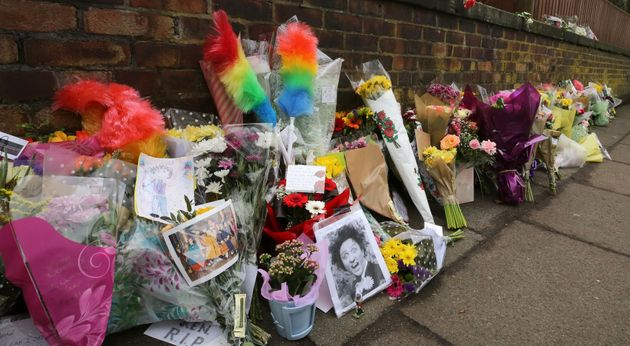 Tributes to Ken Dodd paid in