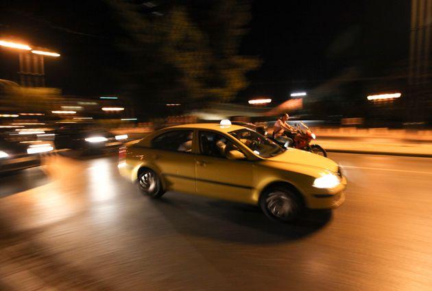 Συνελήφθη οδηγός ταξί που απείλησε με όπλο