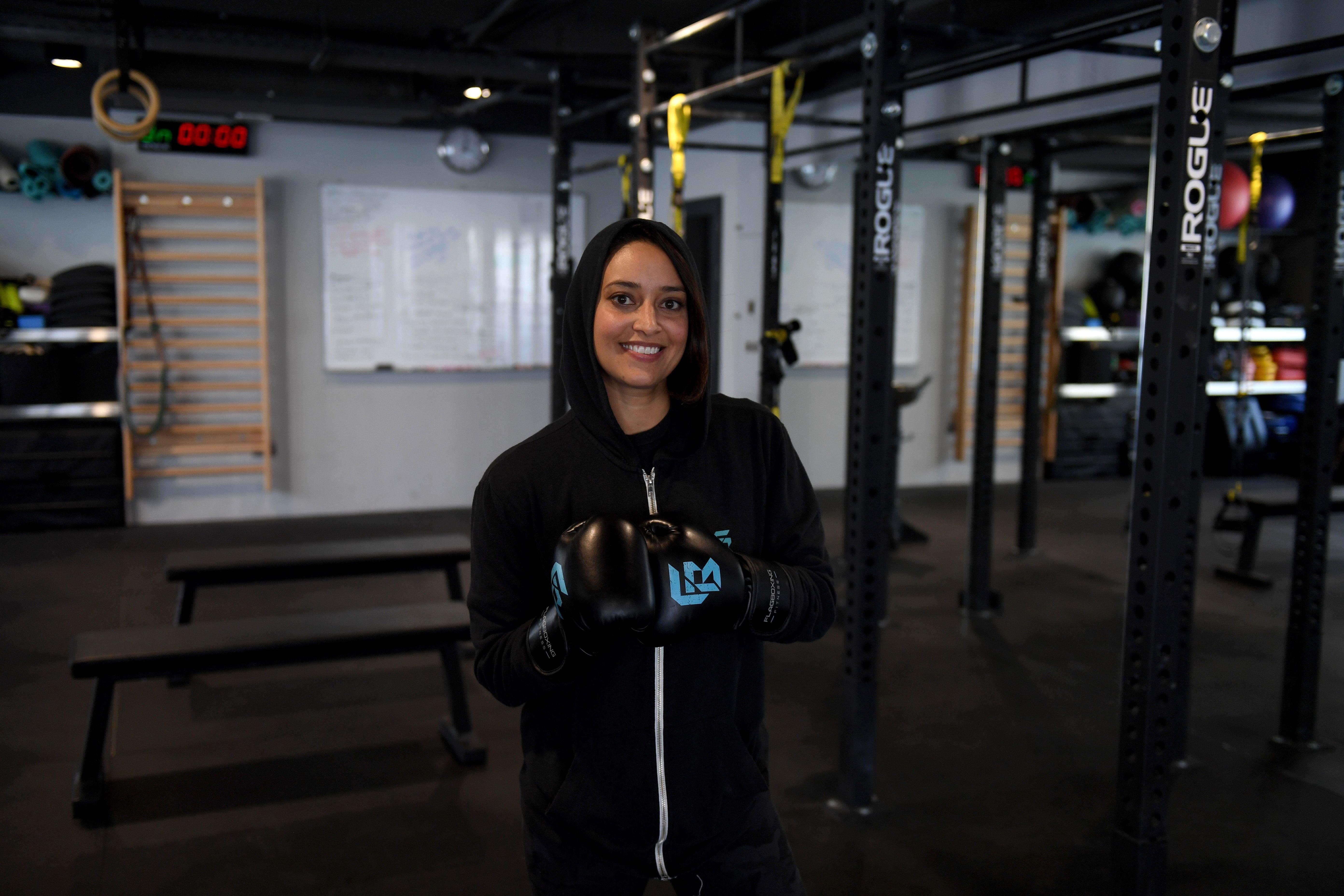 Une boxeuse saoudienne brise les tabous autour du sport