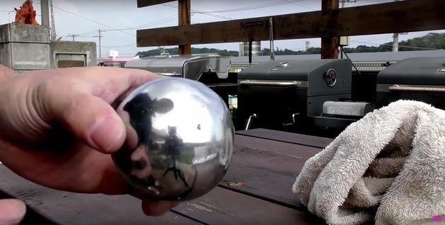 일본에서는 알루미늄 호일로 쇠구슬을 만드는 게