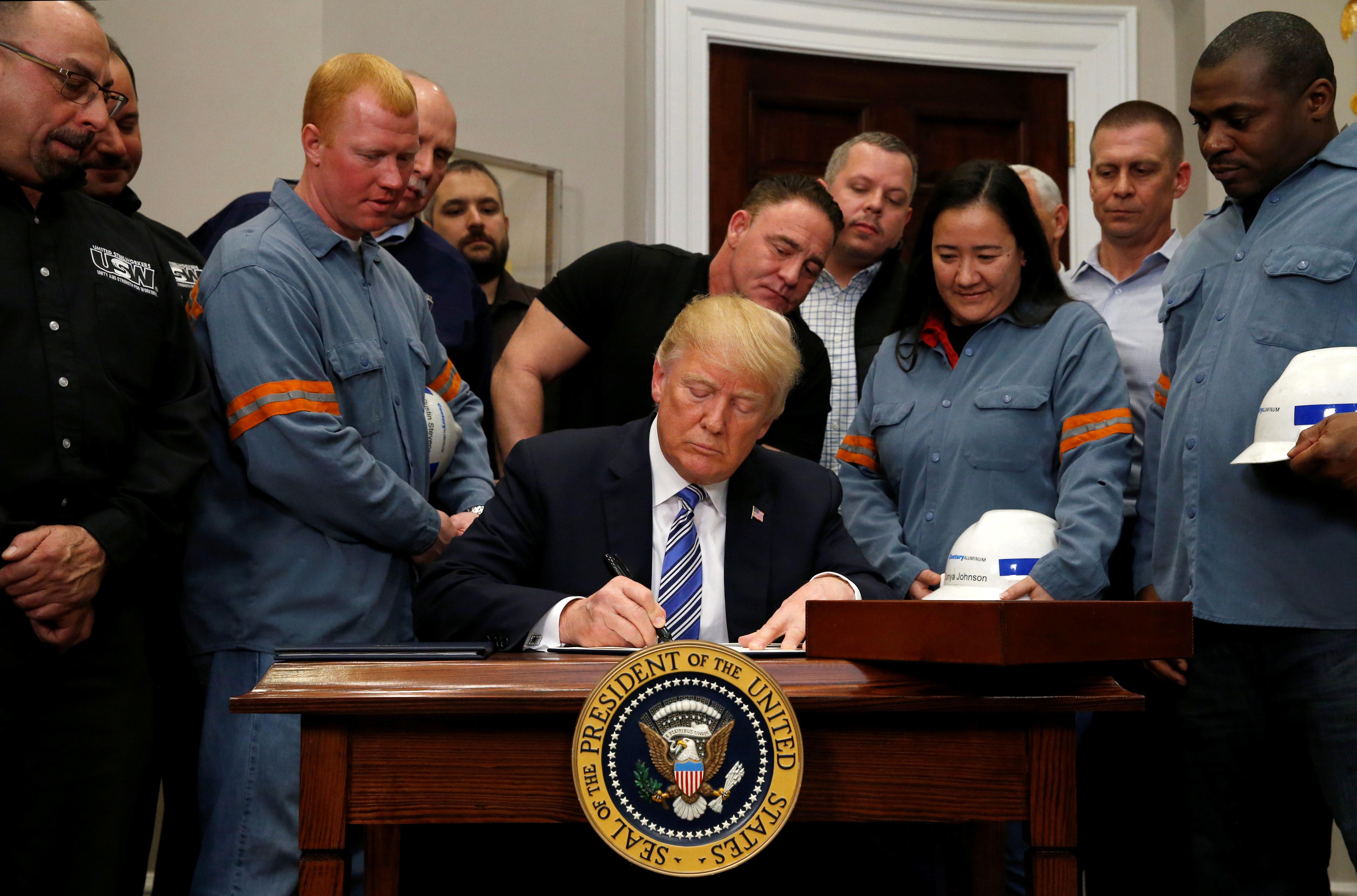 45 U.S. Trade Groups Beg Trump: Don't Impose Tariffs On China