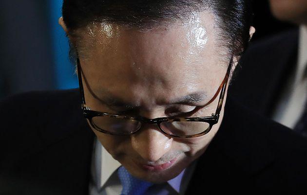 (속보) 검찰, 이명박 전 대통령 구속영장