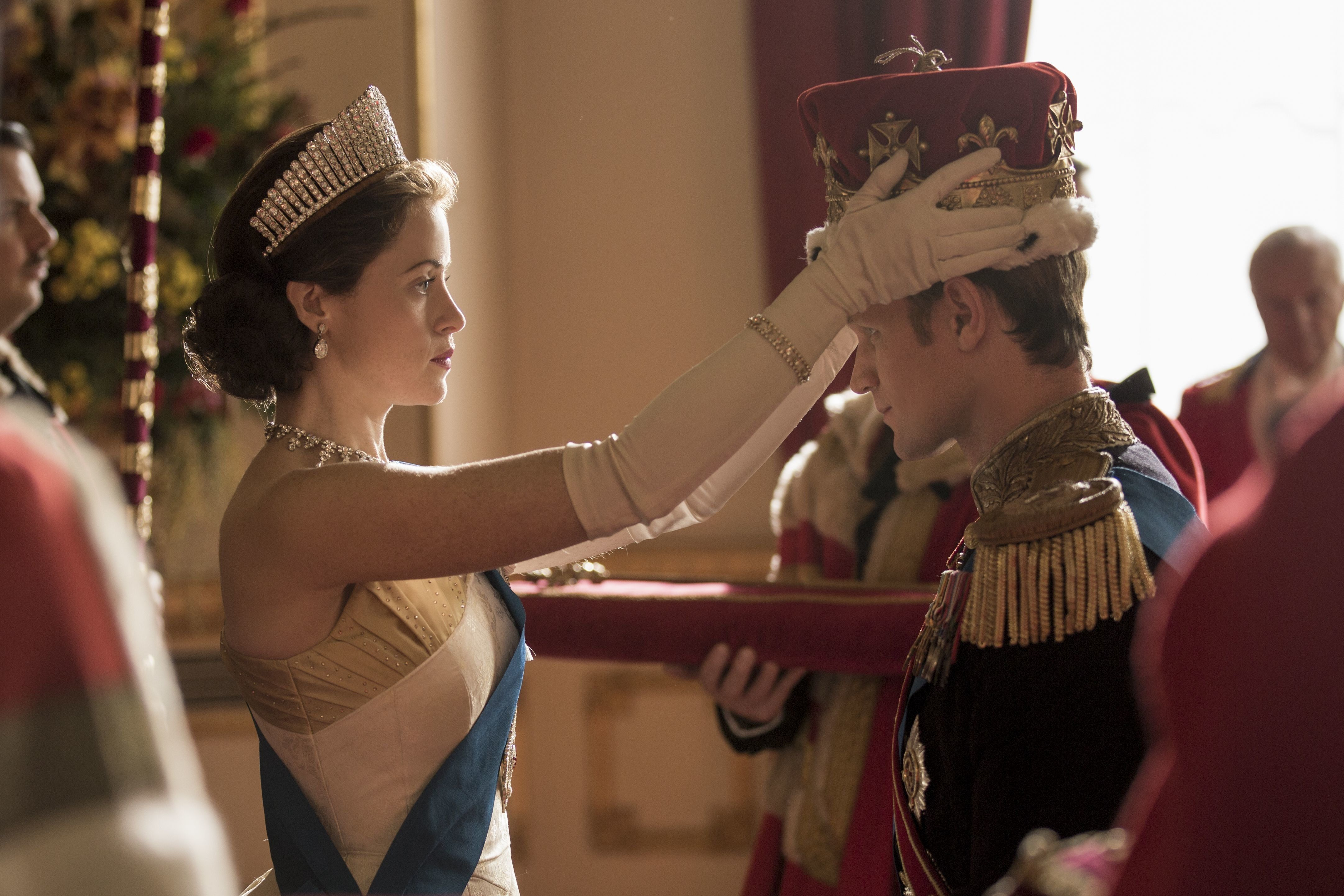 New Petition Asks The Crown's Matt Smith To Donate Pay Difference
