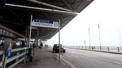 Παρέμβαση αντιεξουσιαστών στο αεροδρόμιο «Μακεδονία» για το βομβαρδισμό της