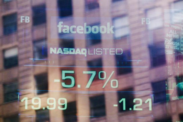Facebook chute après des révélations sur l'affaire Cambridge