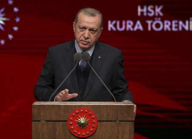 Ερντογάν: Εάν υπάρξει κι άλλη καθυστέρησηθα εισέλθουμε αιφνιδιαστικάγια να καθαρίσουμε το βόρειο Ιρακ...