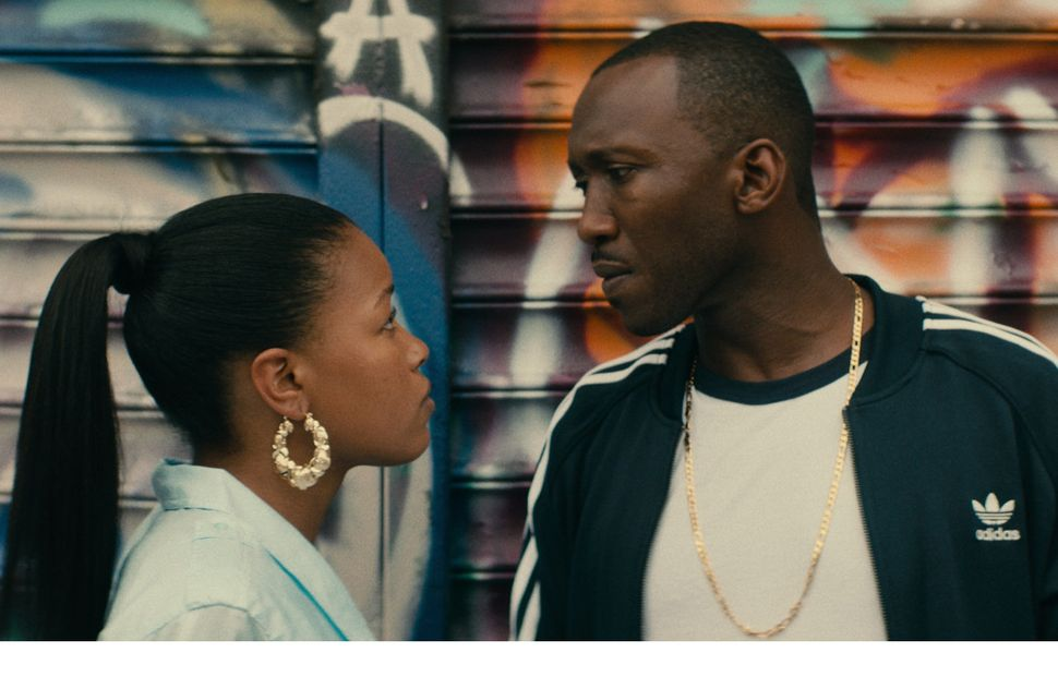 Roxanne Shanté (Chanté Adams) stands opposite her love interest, Cross (Mahershala Ali).