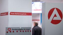 Statt den Arbeitslosen zu helfen: Jobcenter-Mitarbeiter steckt sich 37.000 Euro in die eigene Tasche