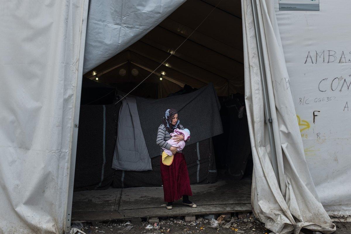 Διεθνής Αμνηστία: «Πείτε στον Έλληνα πρωθυπουργό - Καμιά ζωή σε αναμονή». Η καμπάνια για τους εγκλωβισμένους πρόσφυγες στα