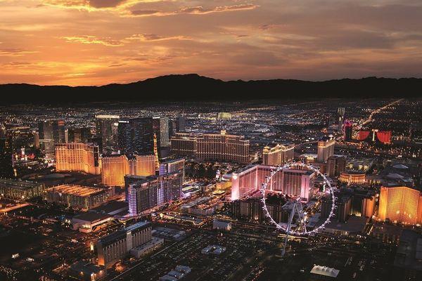 "Experience <a href=""https://www.tripadvisor.com/Tourism-g45963-Las_Vegas_Nevada-Vacations.html"" target=""_blank"">Sin City</a>"