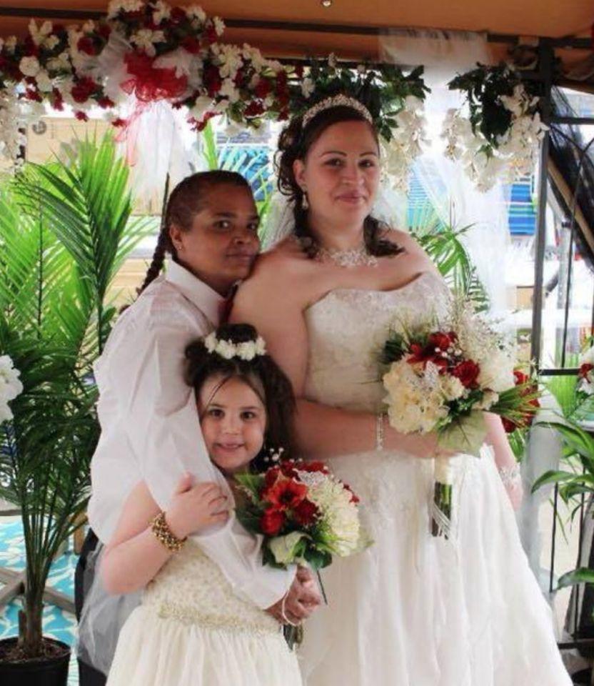 ผลการค้นหารูปภาพสำหรับ Chrissy Slonaker Torres and Leida Torres