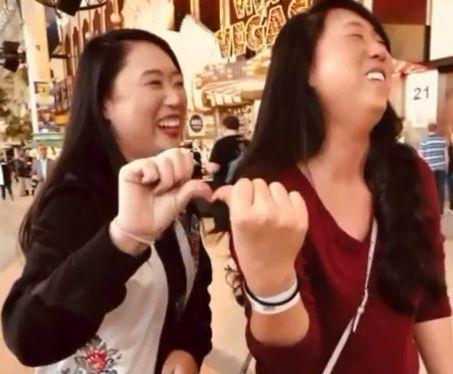 DNA 감식으로 33년 만에 만난 쌍둥이는 서울서 태어난