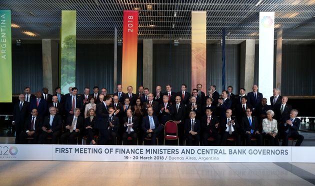 Διάλογο ζήτησαν οι ΥπΟικ και οι κεντρικοί τραπεζίτες της G20, χωρίς όμως να εξουδετερώνουν την απειλή...