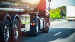 Betrunkener LKW-Fahrer entscheidet sich für Nickerchen mitten auf der A44 – Autofahrer reagieren