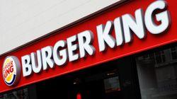Mitarbeiter von Burger King hängt Zettel auf – und ruft damit die Polizei auf den