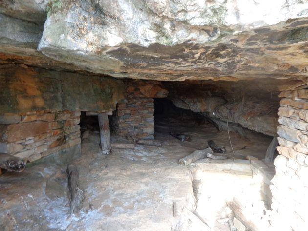 Η μεταλλευτική στοά Νο 3, Θορικό Λαυρίου. Τα όστρακα που βρέθηκαν στο εσωτερικό της απέδειξαν την λειτουργία...