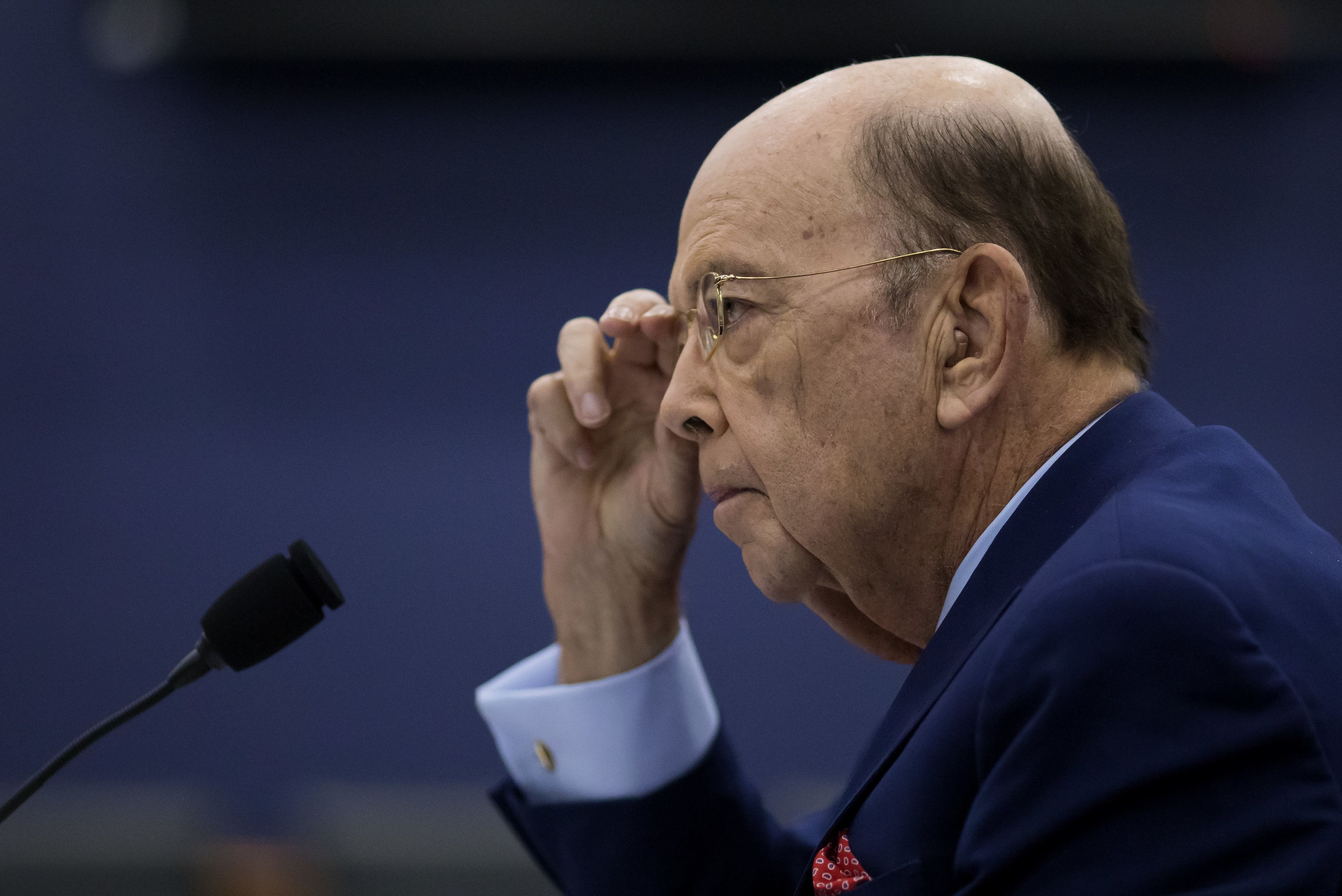 Commerce Secretary Wilbur Ross claims he sold his stake inDiamond S Shippingmonths ago.