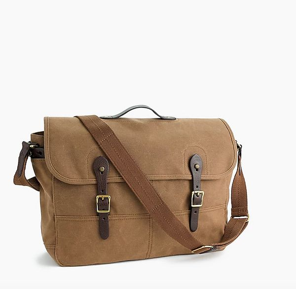 If you're looking for a simple step-up from the work backpack, this casual messenger bag is a perfect alternative. Get i