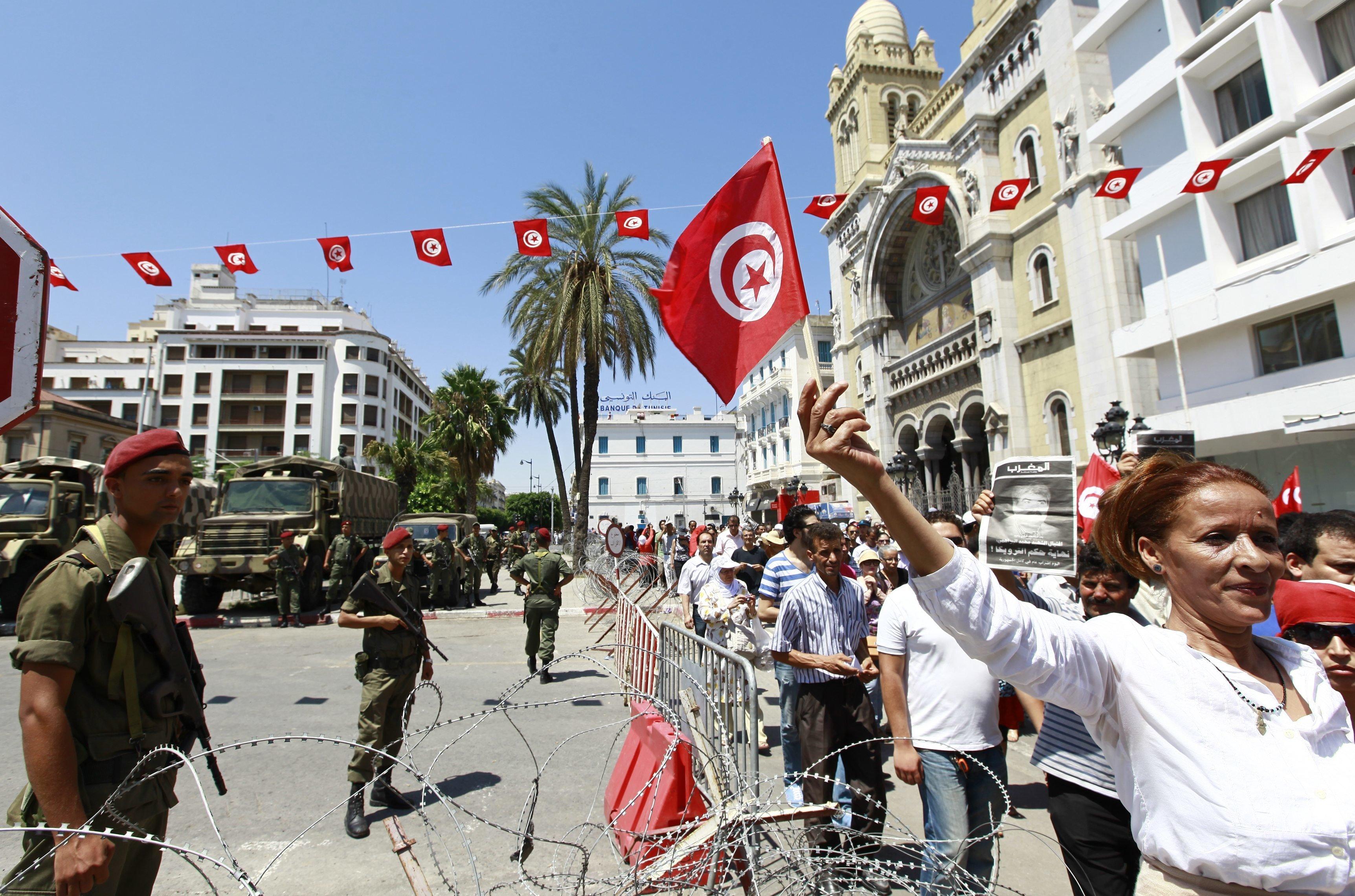 """Ce que pensent les Tunisiens de la situation générale du pays, dans un sondage du Think-tank """"Joussour"""""""