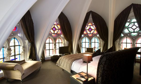 "<a href=""https://www.martinshotels.com/en/hotel/martins-patershof"" target=""_blank"">Martin's Patershof</a> is a hotel inside a"