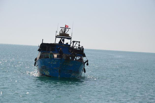 Le nombre de migrants interceptés par les garde-côtes tunisiens a été multiplié par 8 en 2 ans selon...