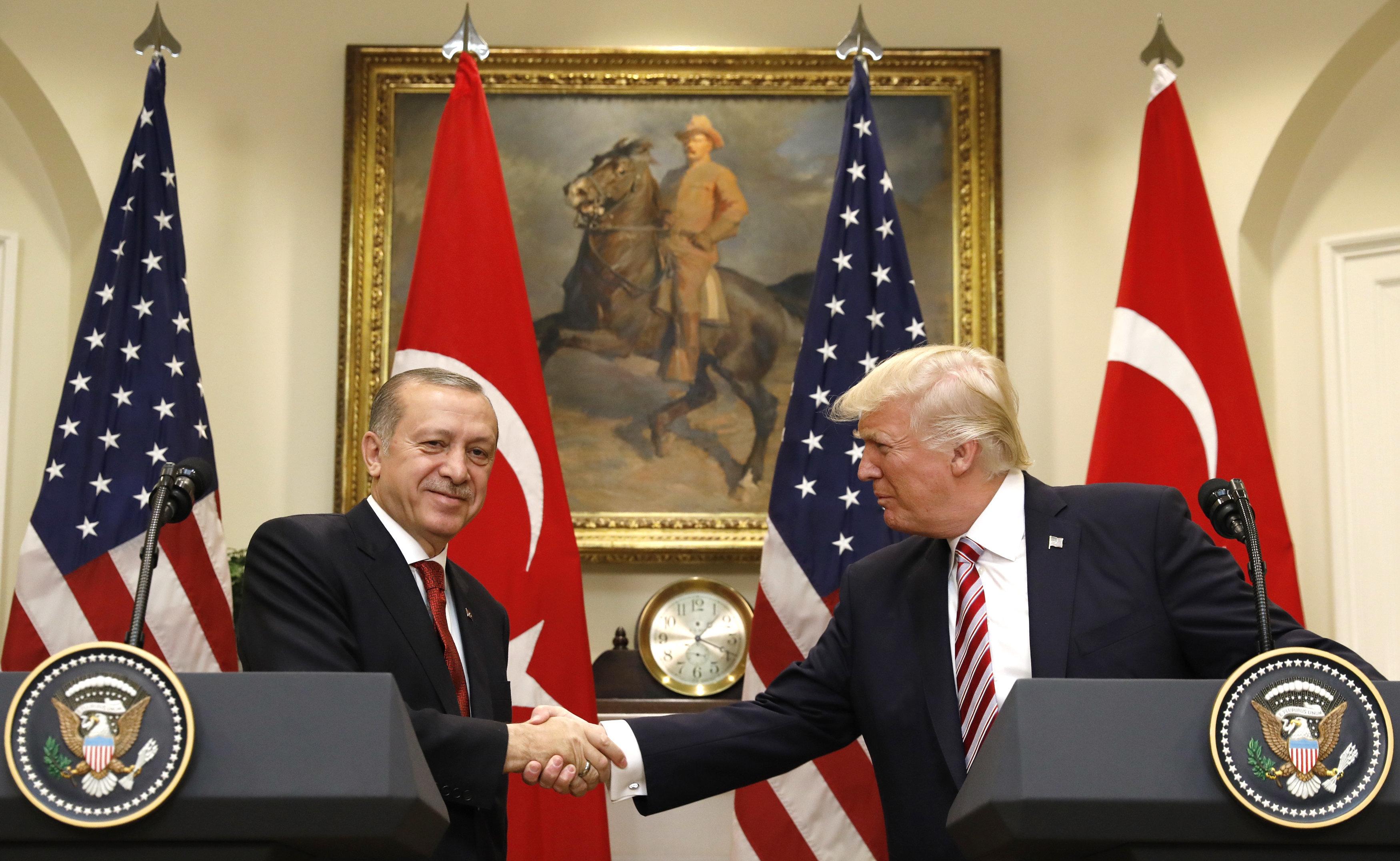 Ο Τραμπ συνεχάρη τον Ερντογάν για τη νίκη του στις