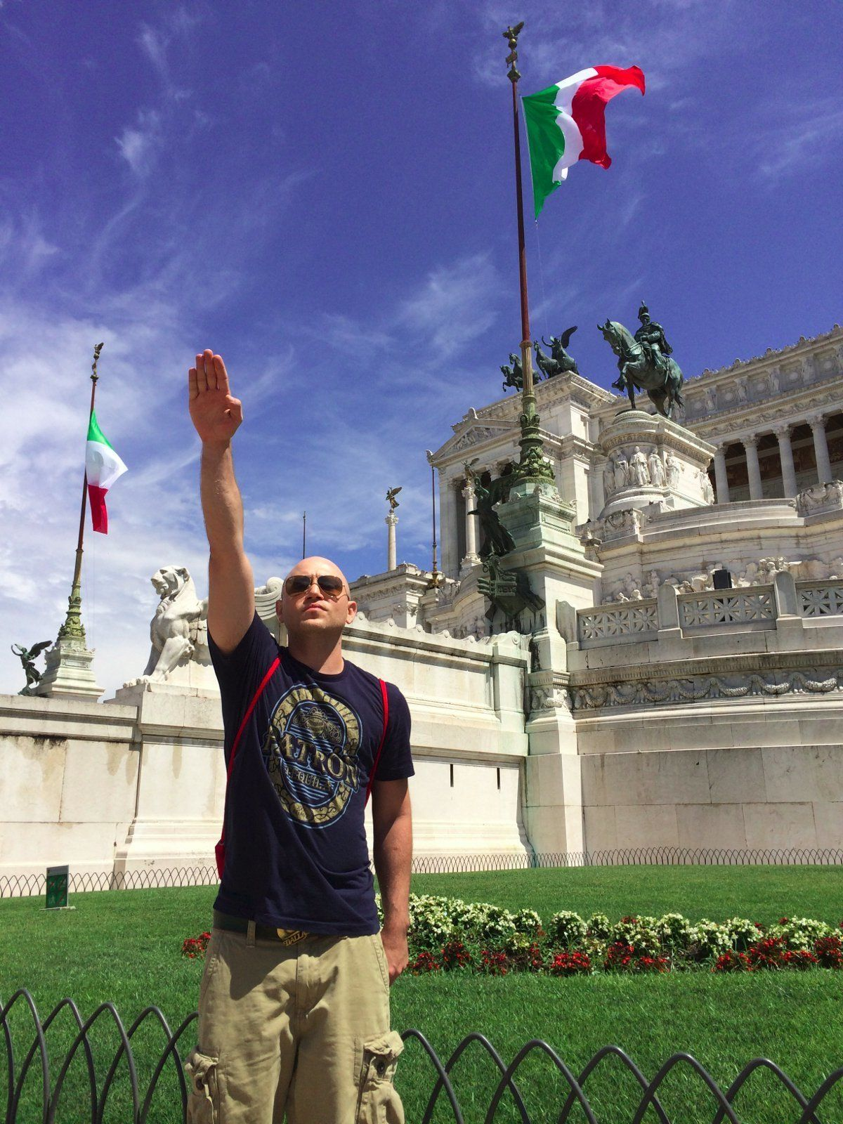 Andrew Anglin sieg heils in Rome