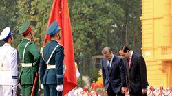 문재인 대통령이 베트남전 참전에 유감을