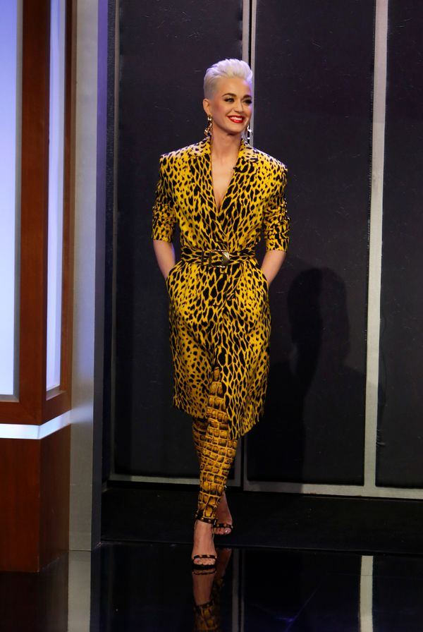 """Wearing a Versace ensemble for her March 5, 2018 appearance on""""Jimmy Kimmel Live!"""""""