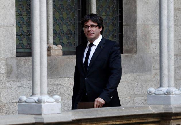 Ισπανία: Εντάλματα σύλληψης για Πουτζντεμόν και άλλους πέντε Καταλανούς αυτονομιστές