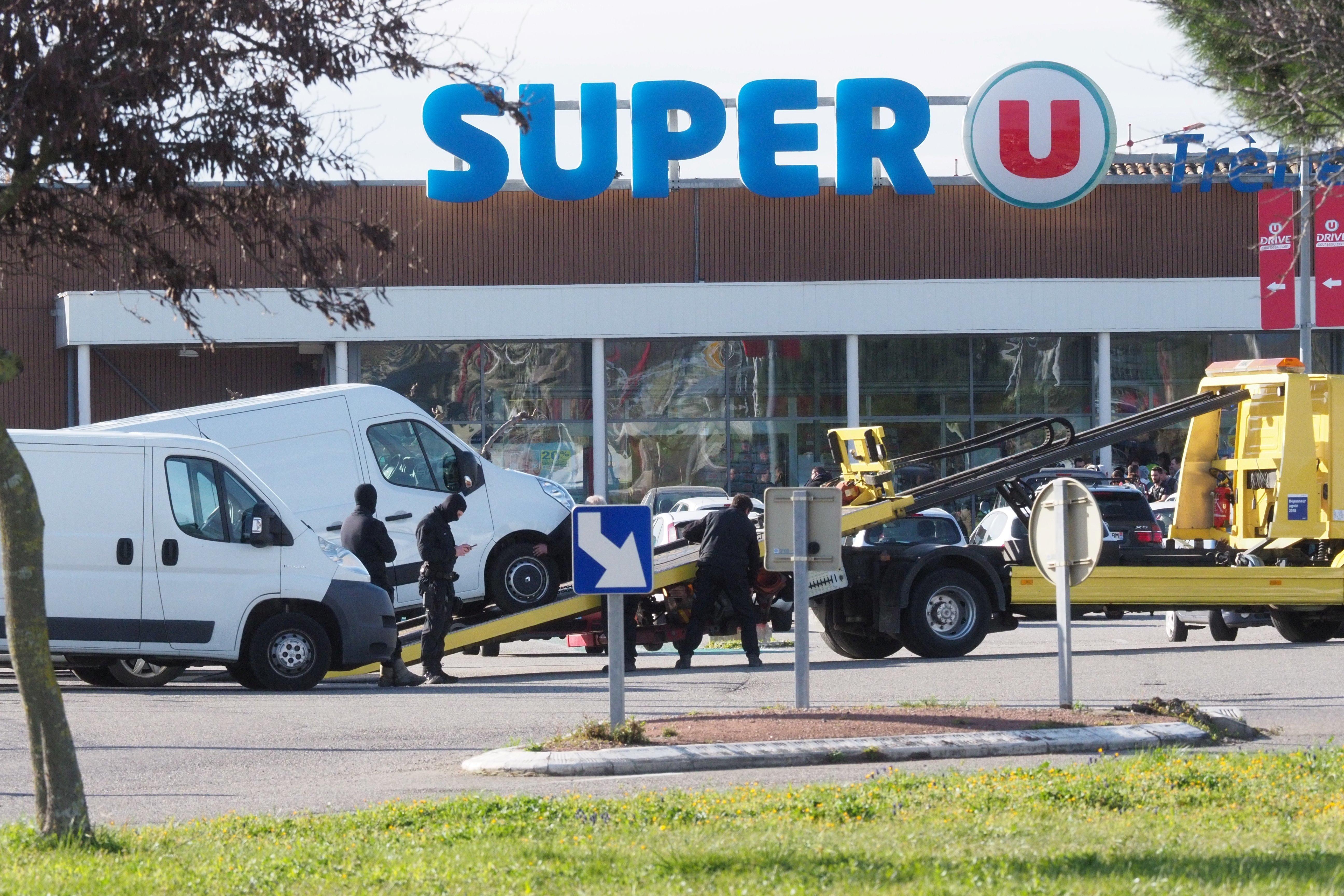Γαλλία: Σε αποθήκη - ψυγείο του σουπερμάρκετ κρύφτηκαν οι πελάτες για να