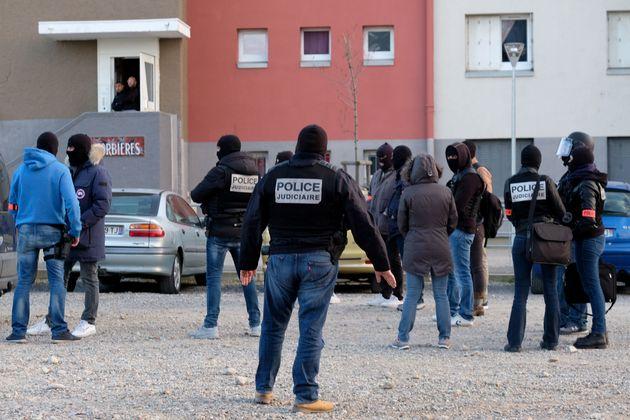 Γαλλία: Απεβίωσε ο ήρωας - χωροφύλακας που είχε πάρει τη θέση ομήρων