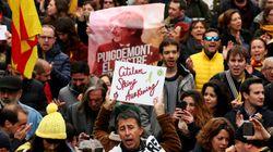 Zehntausende Katalanen protestieren gegen Festnahme Puigdemonts in Deutschland