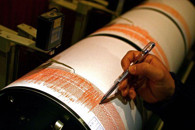 Ινδονησία: Σεισμός 6,4 Ρίχτερ στην θάλασσα