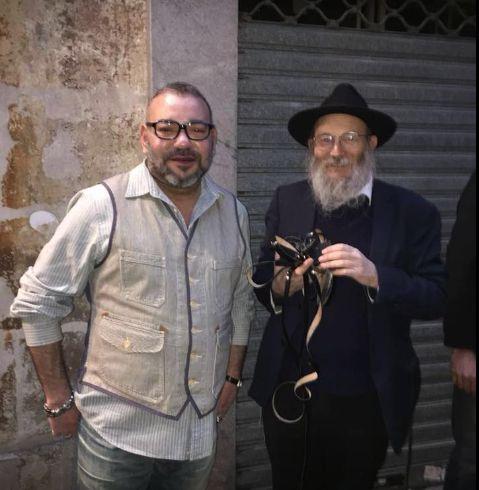 Quand le roi Mohammed VI visite la plus vieille synagogue de