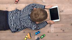 Πόρισμα ΕΚΑΔ: Οι Έλληνες γονείς αφήνουν τα παιδιά τους να χρησιμοποιούν τα Social Media πριν την επιτρεπτή