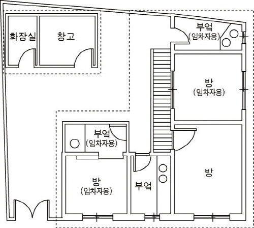 1960~70년대 저소득층이 거주하는 달동네 가옥의 평면도. 부엌은 세대 별로 구분돼 있지만, 화장실은 공동으로 이용해야만