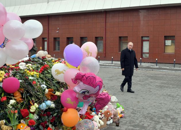 Putin at the site of the fire in Kemerovo,