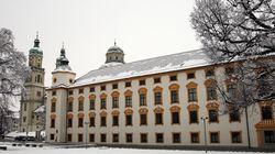 Bayern: Mutter erstickt Kind mit Kissen und erhält keine