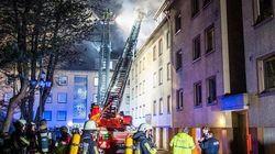 Frau springt in Panik aus brennender Dachwohnung – ihre Helferin bringt sich selbst in